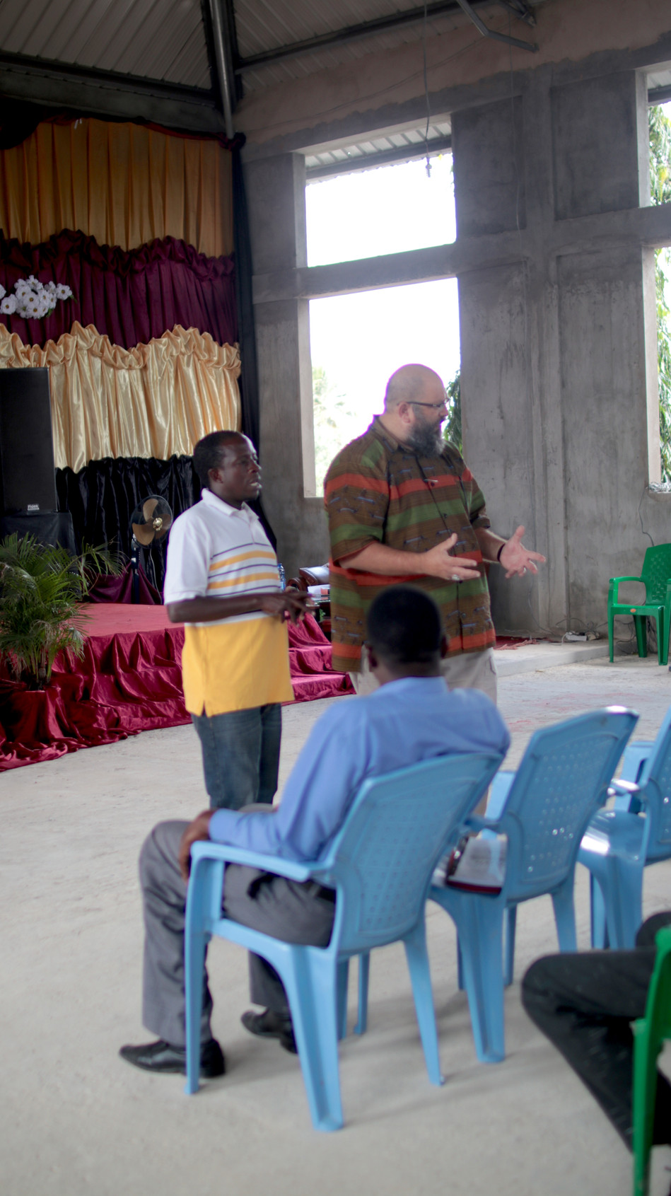 Teaching and encouraging the SI family in Tandika