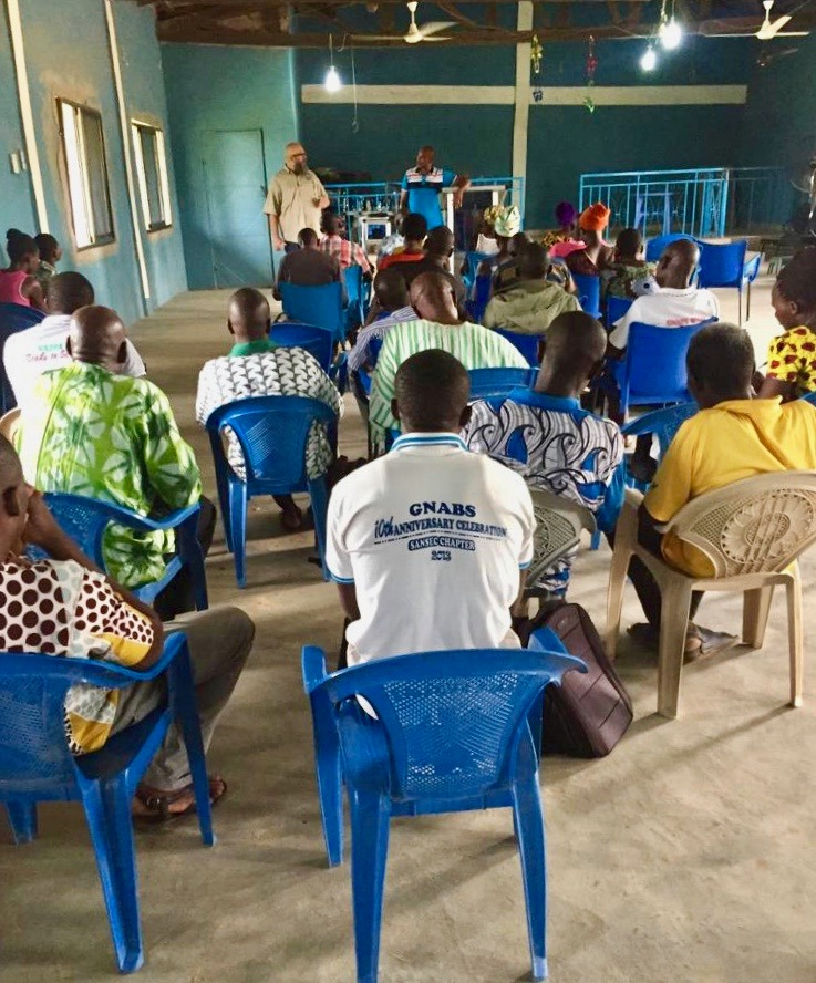 Me teaching a small group of Pastors & Leaders in Navrongo.