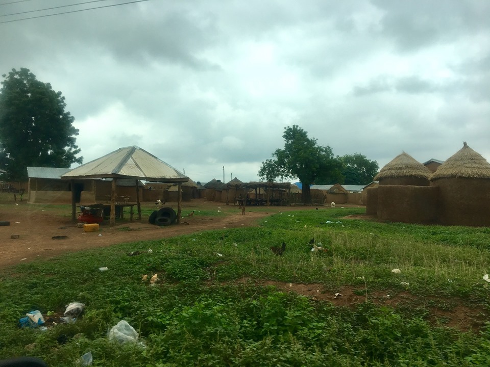 One of the small villages on the way to Kpasenkpe.
