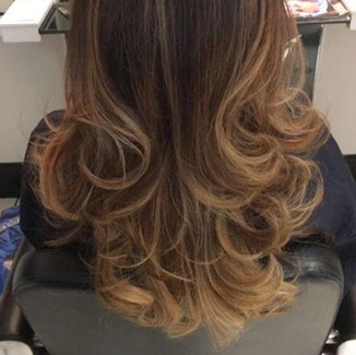 Beautiful Blowdry by Alessia just now in under 15 minutes💪💪💪_Cut & Colour by Andy 👌