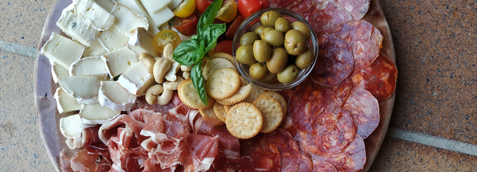 tabla de ibericos y quesos