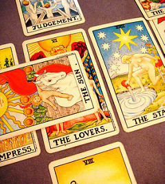 Tips on How to Read The Tarot