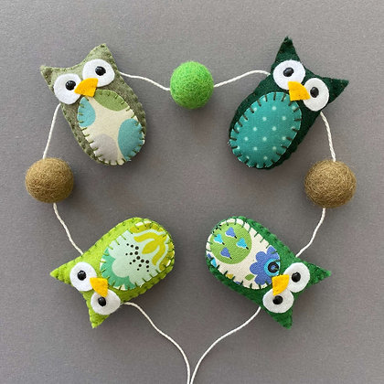 Green Owl Garland