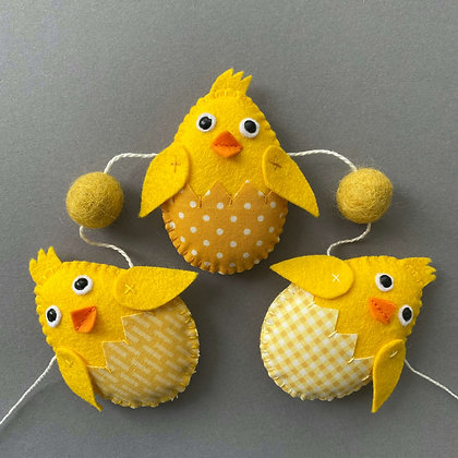 Easter Chick & Yellow Egg Garland