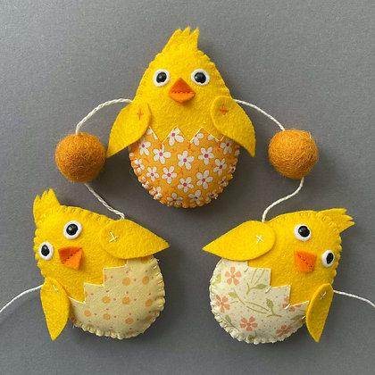 Easter Chick & Orange Egg Garland