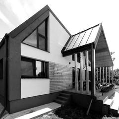 FAMILY HOUSE IN COTENI
