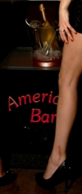 Hotesses en Salon a l'American Bar Loung