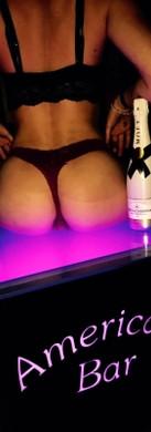 Hotesses au Salon VIP a l'American Bar Lyon