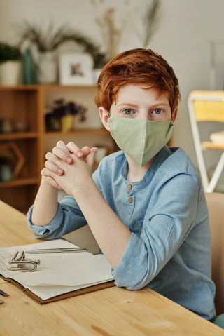 Reading Social Cues when People are Wearing Masks