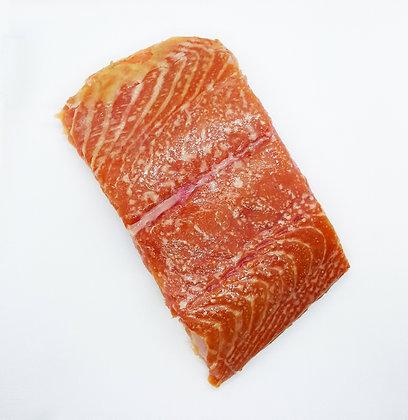 סלמון בעישון חם 250 גרם    Hot Smoked Salmon (250 g.)