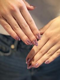 Sparkle nails shellac