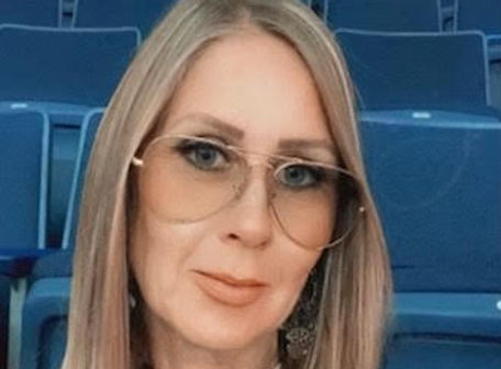 Julie Bio.jpg