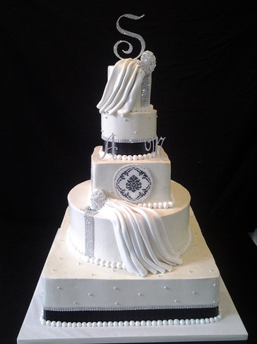 Black and White Damask Traditional Cake