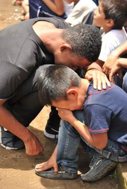praying with child