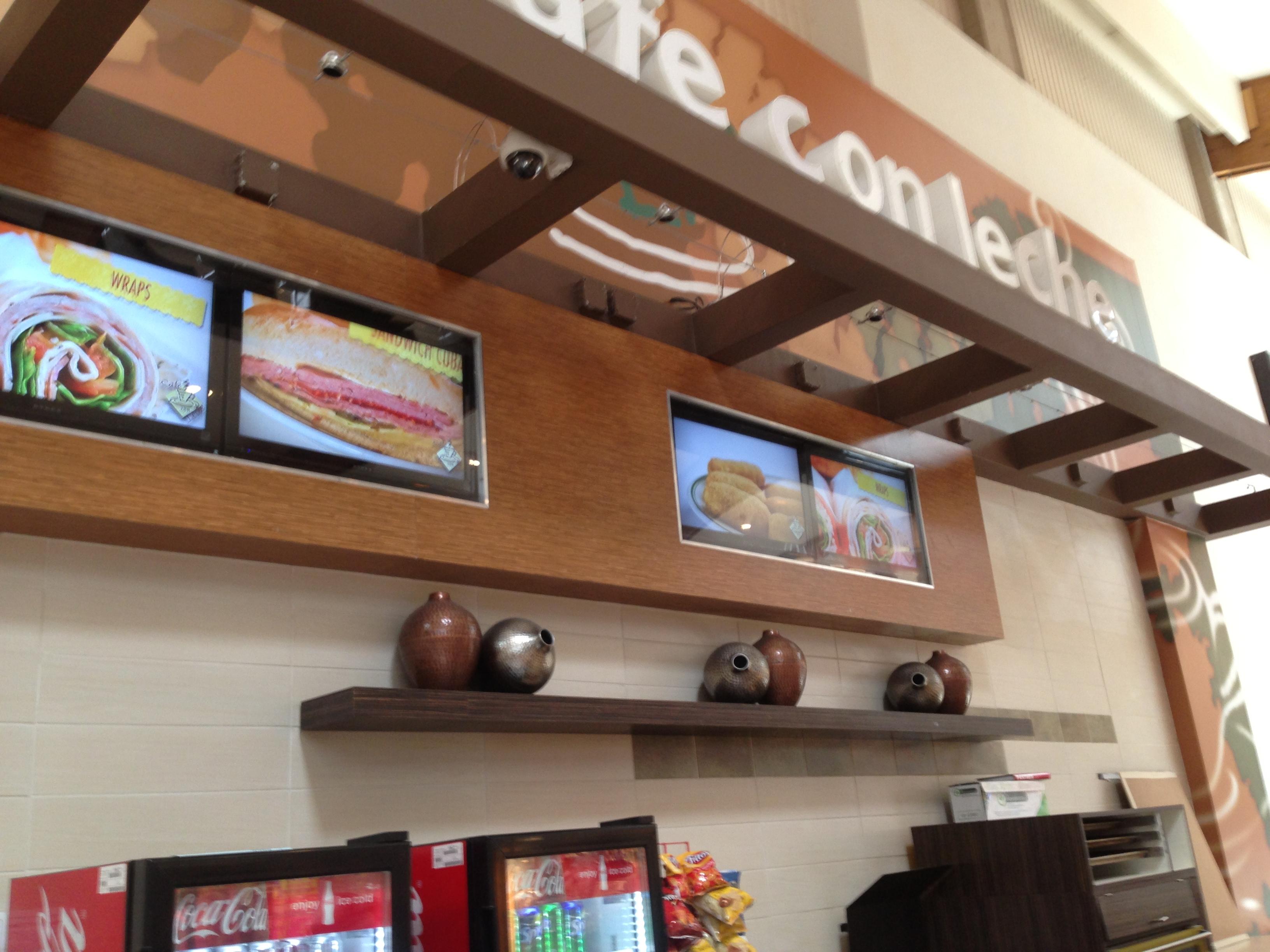Cafe con Leche Westland Mall