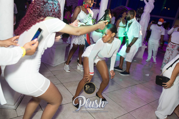 Soca_Passion-PLUSH 9199.JPG