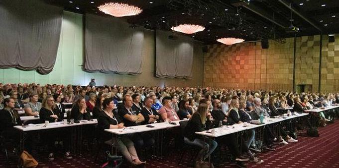 Ruskonferansen, Ruskonferansen 2019, Ruskonferansen 2021, konferanse rus og psykisk helse, kurs psykisk helse og rus, konferanse rusbehandling, fagdag rus avhengighet, kurs avhengighet rus, ruskonferanse, rus konferanse, rus og psykisk helse, tverrfaglig spesialisert behandling, tsb konferanse, digital konferanse rus, rus konferanse trondheim, nasjonal konferanse rus