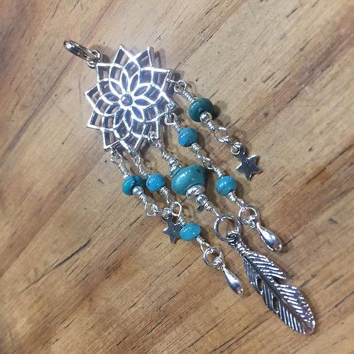 Pendentif Fleur de vie avec petites turquoise et plume