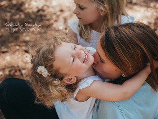 Photos en famille, avec Ambre, Albane et leur jolie maman Claire