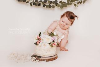 Séance photo cake smash pour l'anniversaire de Rosie