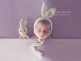 Séance photo nouveau né avec une jolie petite fille de 1 mois