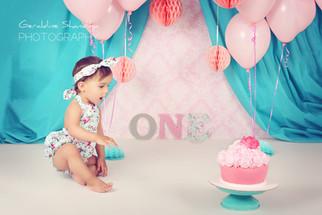 Cake smash photoshoot with Leonie - 1 year old baby photography