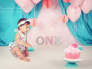Cake smash photoshoot with Leonie - 1 year old baby photography