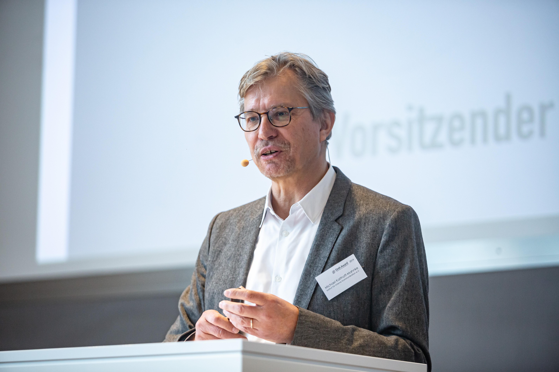 Michael Kalthoff-Mahnke, Erster Vors