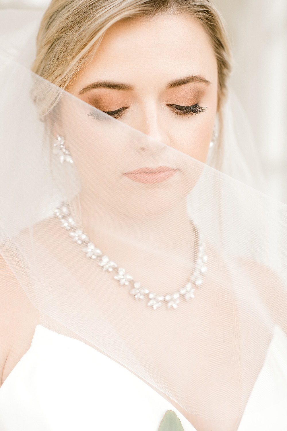 beautiful bride in Separk Mansion in Gastonia, NC