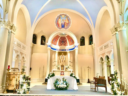 Easter whole altar 2021.jpg