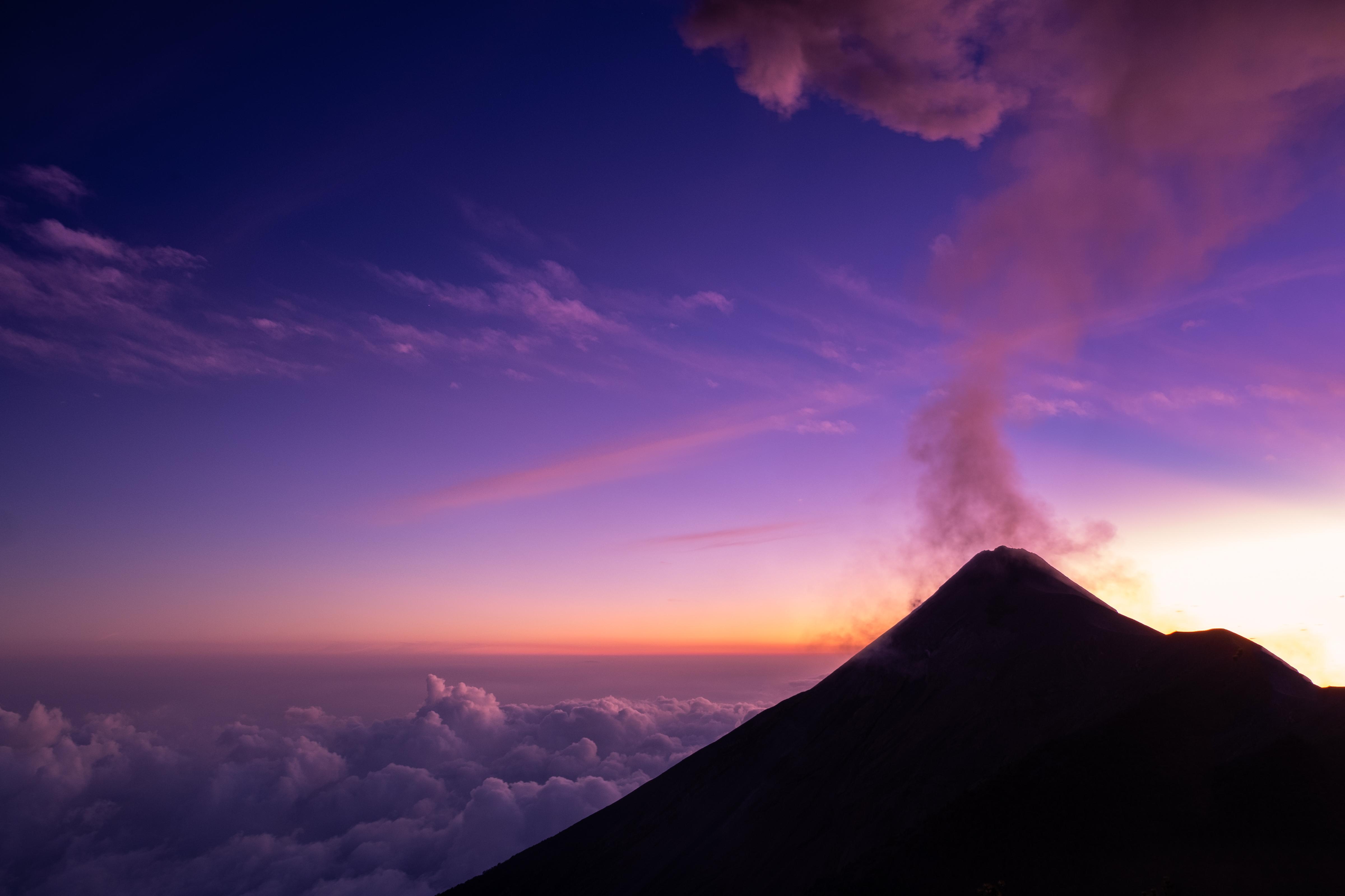 Acatenango fuego sunset