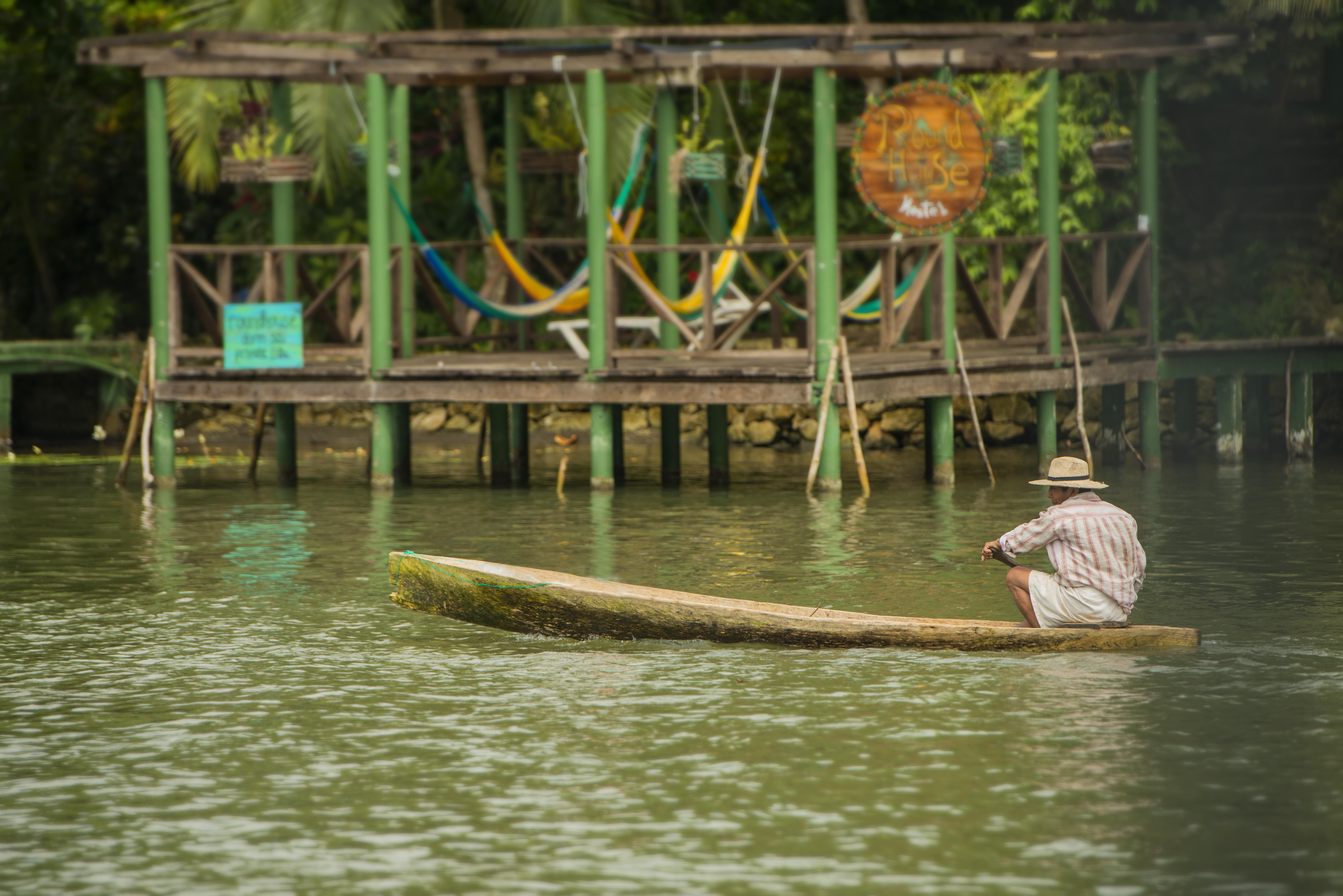 canoe rio dulce