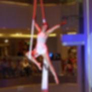 Vertikaltuch,Tuchartistik, Highlight, Veranstaltungen,Trapezkünstlerin, Tuchakrobatik