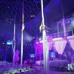 Eventkünstler bei einer Luftakrobatik Show für ein Corporate Event