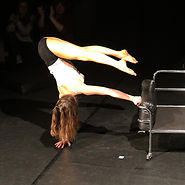 Kontorsion, Schlangenfrau, Akrobatik, Artistik, Verbiegen, Kautschuk, Handstand, Tanz, Tänzerin