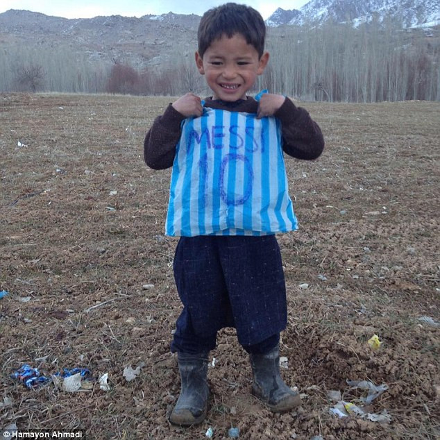 5 year old Messi fan flees Afghanistan after Taliban threats