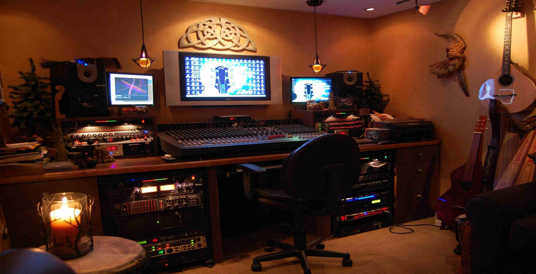 The Studio -03
