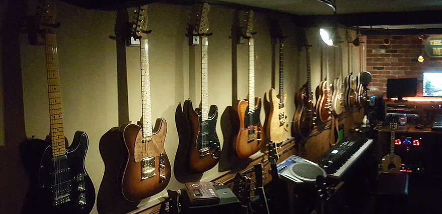 Guitars-035.jpg