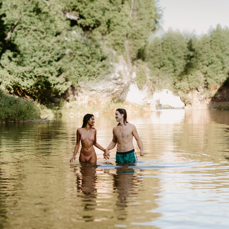 Couples Wet & Wild Time at Elora Gorge | Danica Oliva Photography