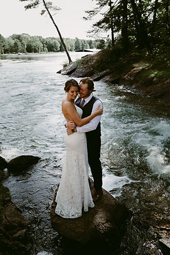 MuskokaLakeside_IntimateWedding_DanicaOl