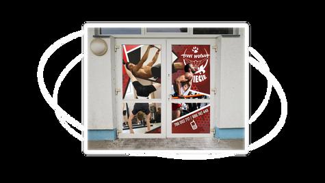 Grafika na drzwi wejściowe