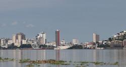 Guayaquil, La Perla, vista desde Durán