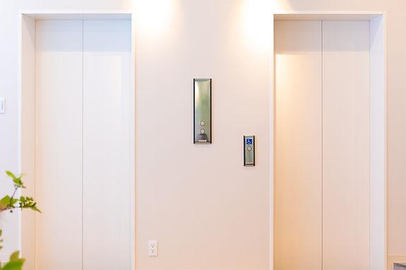 新宿駅前さくらレディースクリニック エレベーター