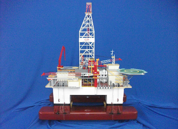 DSS38M Semi-submersible Rig (Scale 1:150)