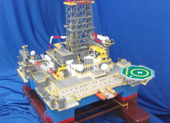 B295 Semi-submersible Rig (Scale 1:150)