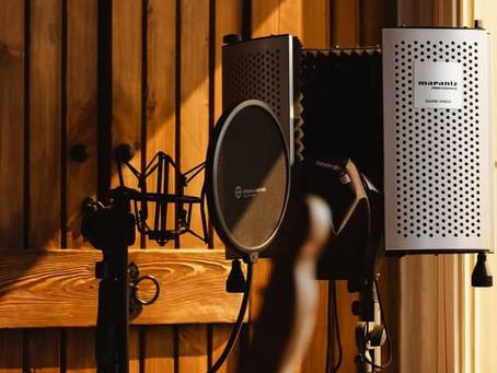 11 questions déterminantes avant de devenir voix-off home studio ?