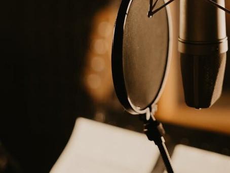 Voix-Off : Comment bien équiper son home studio ?