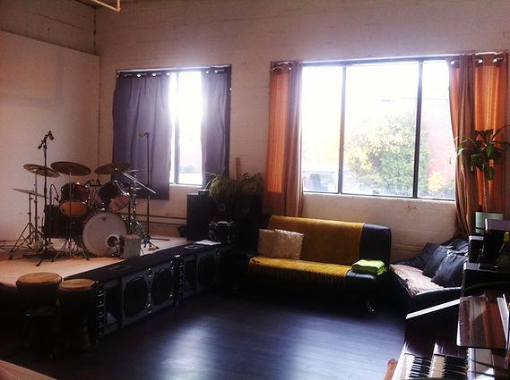 Studio%204-3.jpg