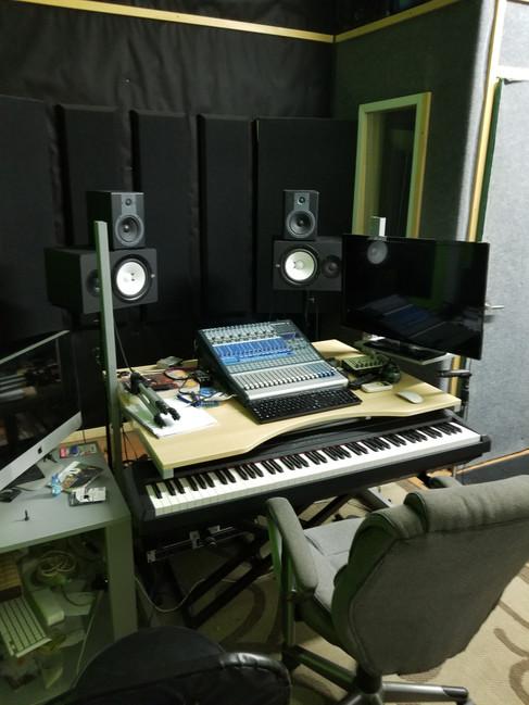 Studio 8 - Booth