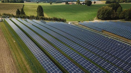 photovoltaic-4525178_1920.jpg